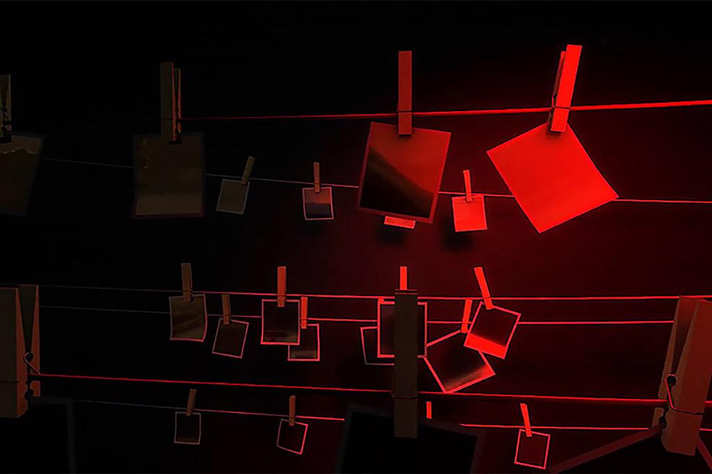 dark-room-sm
